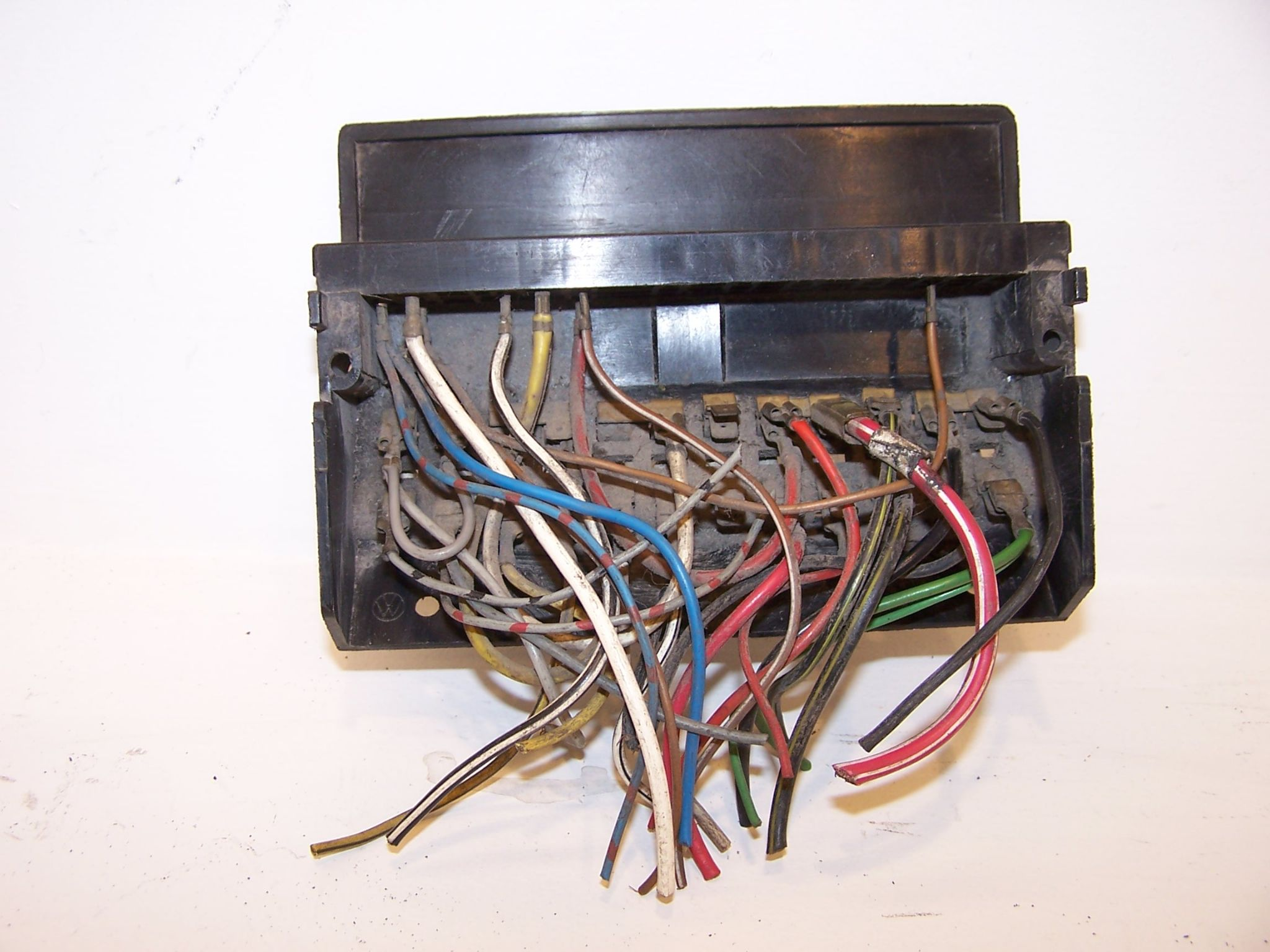 Vw Type 2 Fuse Box Electronic Wiring Diagrams Karmann Ghia Beetle 1303 1974 1979 2000 Jaguar Layout